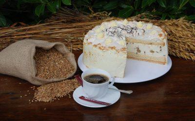 Baiser-Stachelbeer-Torte